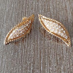 Hattie Carnegie Vintage Clip On Earrings